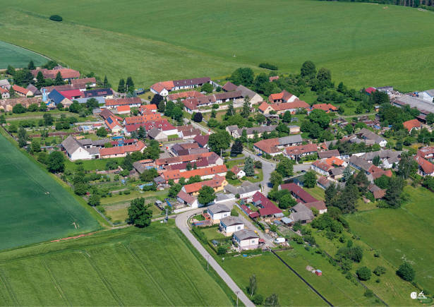Letecký pohled na obec Haškovcova Lhota